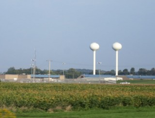 Twin water towers in Missouri